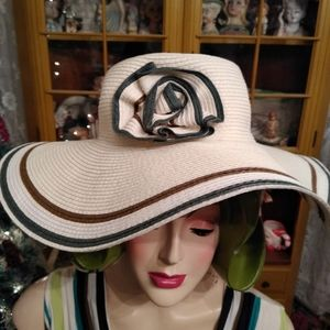 NWT  D&Y Floppy Summer Hat With Flower UPF50+